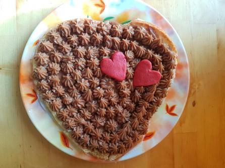 almond-chocolate-heart-cake