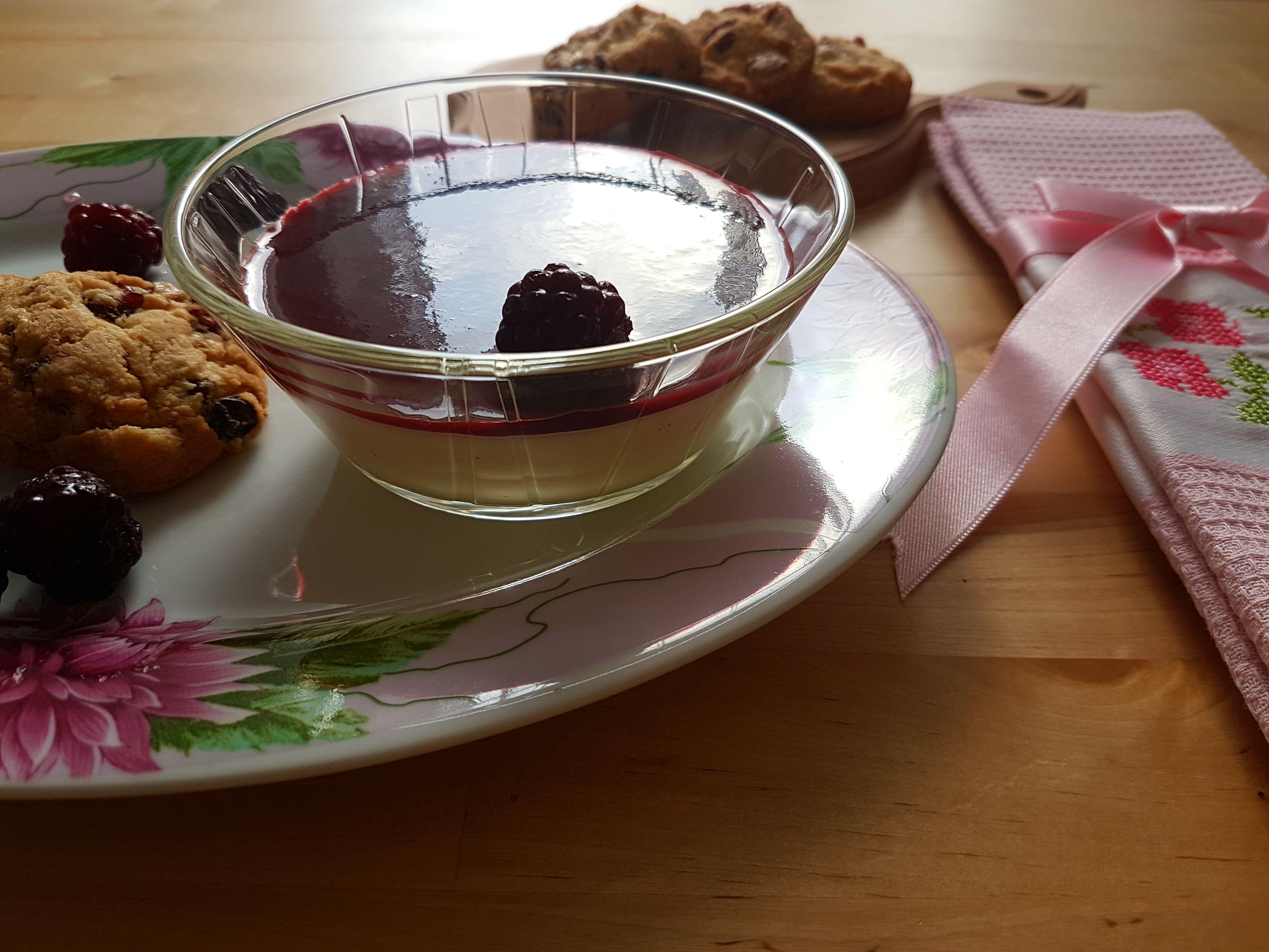 Pannacotta With White Chocolate and Berries